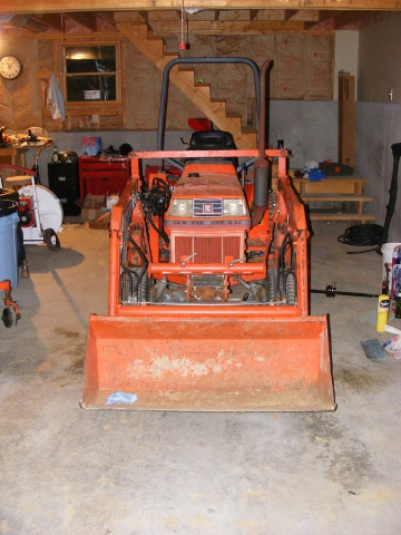 LA 300 Front End Loader fitted to a Kubota B1750HST